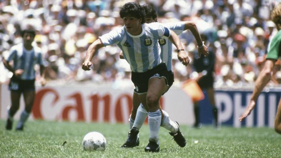 Maradona, da Argentina, na final da Copa do Mundo de 1986