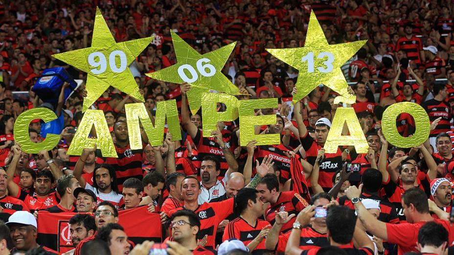 Torcida do Flamengo canta nas arquibancadas do Maracanã antes da partida que decide o título da Copa do Brasil contra o Atlético-PR