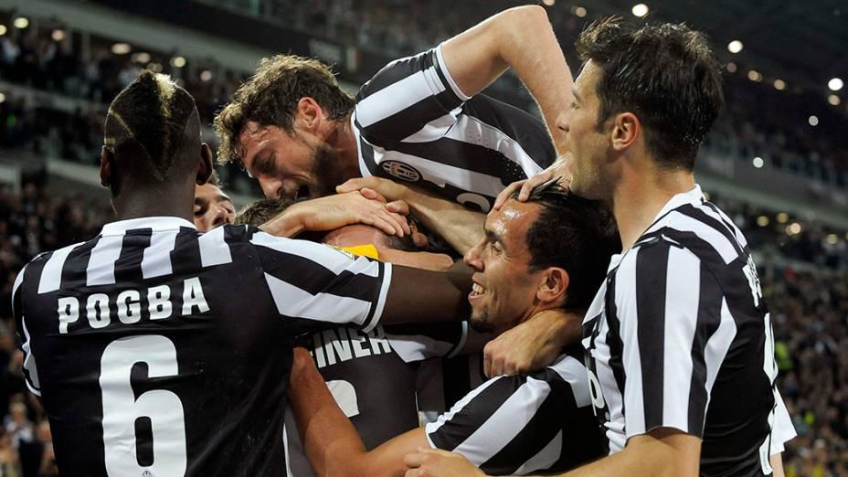 Jogadores comemoram o título do Campeonato Italiano