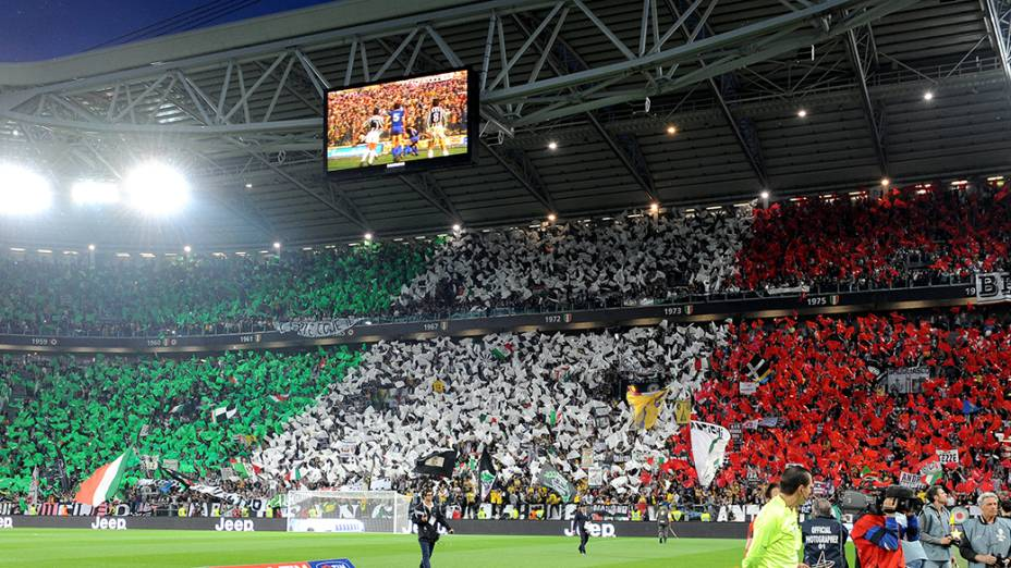 Torcida lotou o Juventus Stadium nesta segunda-feira