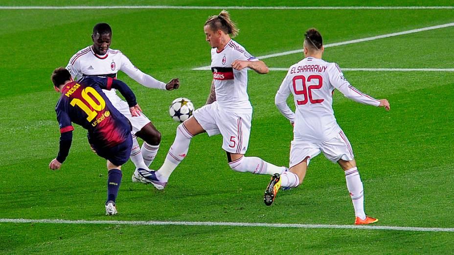 Barcelona enfrenta o Milan em partida válida pelas oitavas-de-final da Liga dos Campeões, no Camp Nou