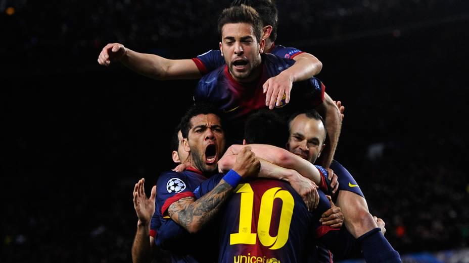 Jogadores do Barcelona comemoram o segundo gol marcado pelo argentino Lionel Messi