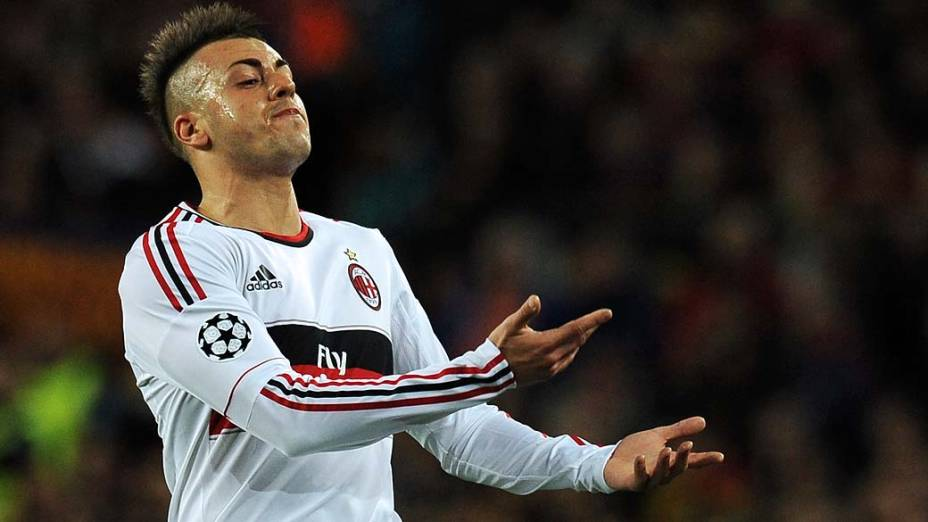 O atacante do Milan, Stephan El Shaarawy, durante partida contra o Barcelona