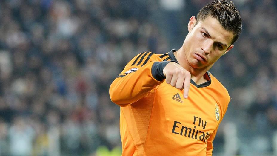 Cristiano Ronaldo comemora gol do Real Madrid no empate em 2 a 2 com a Juventus, em partida válida pela Liga dos Campeões