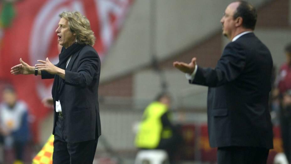 Treinador do Benfica Jorge Jesus e o treinador do Chelsea Rafa Benitez