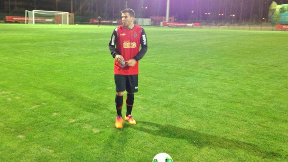 Atlético-MG realiza primeiro treino para Mundial de Clubes da Fifa 2013 no campo anexo do Le Gand Stade de Marrakech, no Marrocos