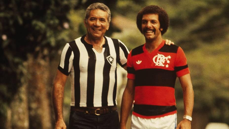 Nílton Santos, ex-jogador do Botafogo, com Júnior, do Flamengo em 1981