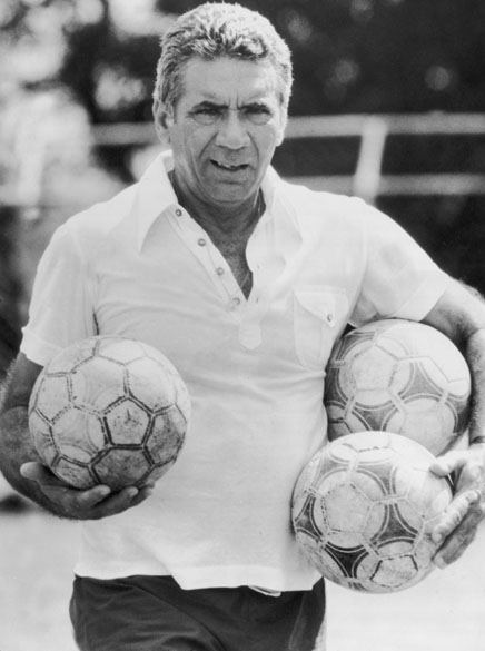 Nílton Santos, técnico do Vitória em 1980