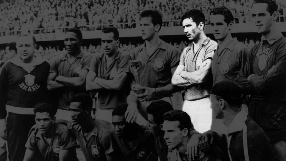 Nílton Santos (em destaque) com a selção brasileira na Copa de 1958