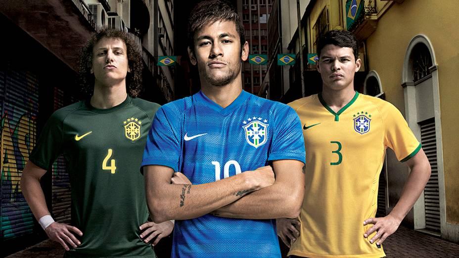 Os três uniformes criados pela Nike para a seleção em 2014: verde escuro, azul e o tradicional amarelo