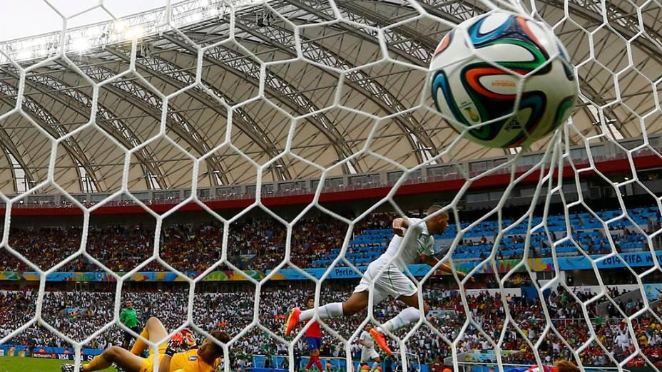 Em Porto Alegre, Argélia abre o placar: 3 x 0 contra a Coreia do Sul, no estádio Beira Rio