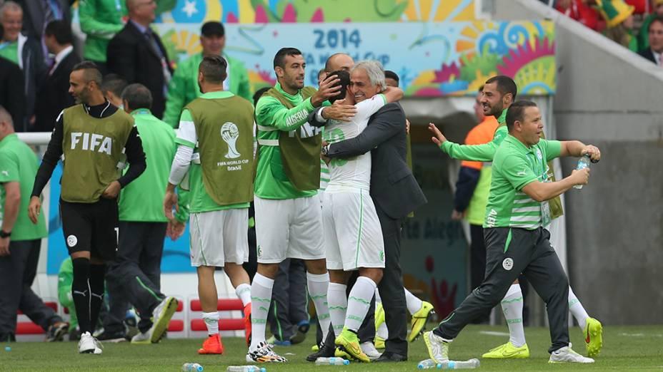 Seleção da Argélia comemora gol contra a Coreia do Sul, no estádio Beira Rio, em Porto Alegre
