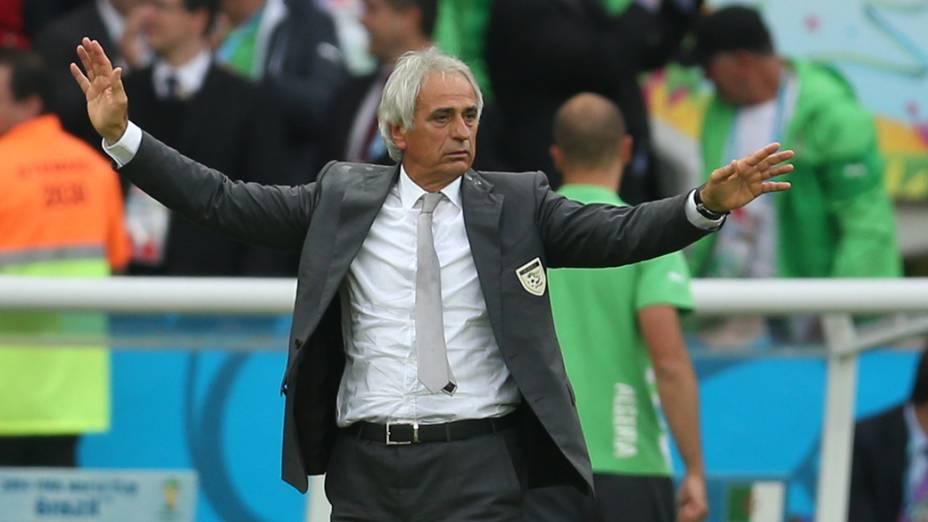 O técnico da Argélia, Vahid Halilhodzic, durante partida contra a Coreia do Sul, no estádio Beira Rio, em Porto Alegre