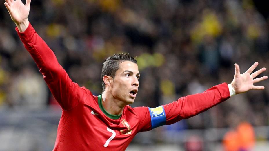 Cristiano Ronaldo comemora gol contra a Suécia, pelas eliminatórias da Copa do Mundo