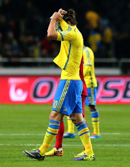 Jogador da Suécia, Ibrahimovic, durante partida de volta contra Portugal, pelas eliminatórias da Copa dao Mundo, em Estocolmo