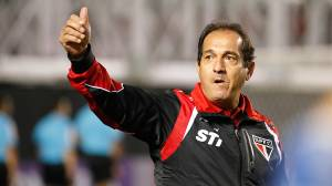 Técnico Muricy Ramalho reestreia no comando do São Paulo com vitória sobre a Ponte Preta, pela 20ª rodada do Campeonato Brasileiro