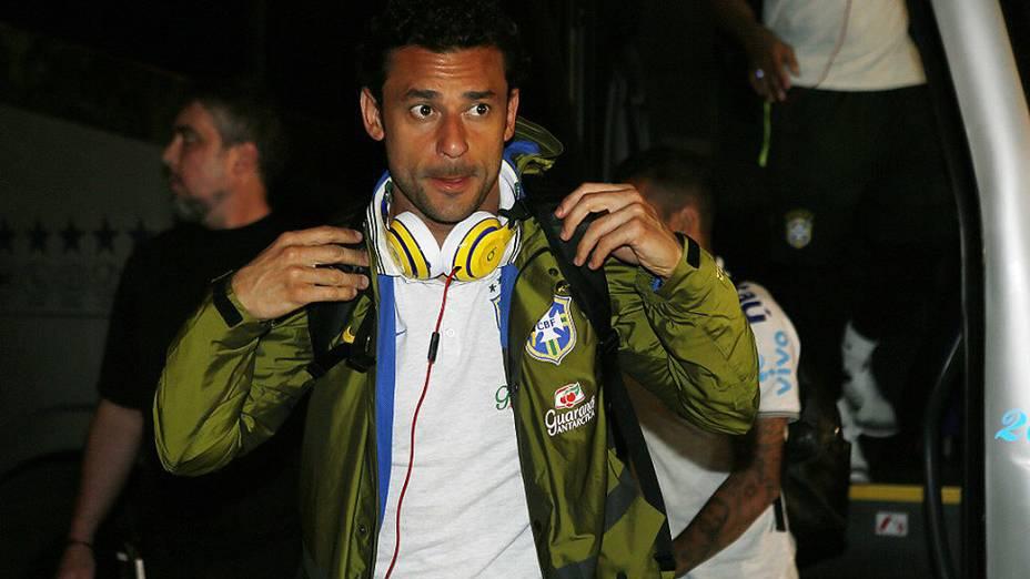 Fred na chegada aSão Paulo na noite de quinta-feira