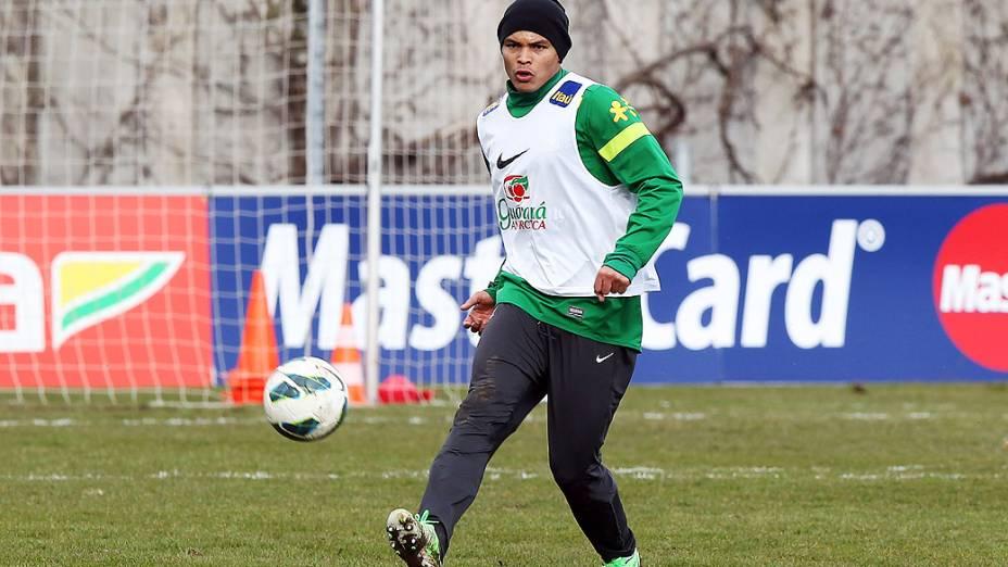 Zagueiro Thiago Silva durante treino da seleção brasileira nesta quarta (20) antes do amistoso contra a Itália em Genebra, Suíça