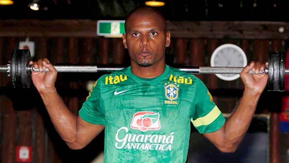 Goleiro Jefferson no treino da Seleção Brasileira antes do amistoso contra a Suíça