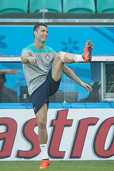 Cristiano Ronaldo durante treino da seleção de Portugal, na Arena Fonte Nova - (15/06/2014)