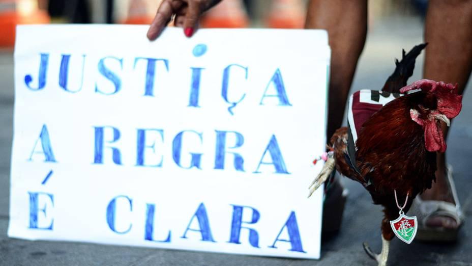 Movimentação em frente ao Superior Tribunal de Justiça Desportiva, no centro do Rio de Janeiro