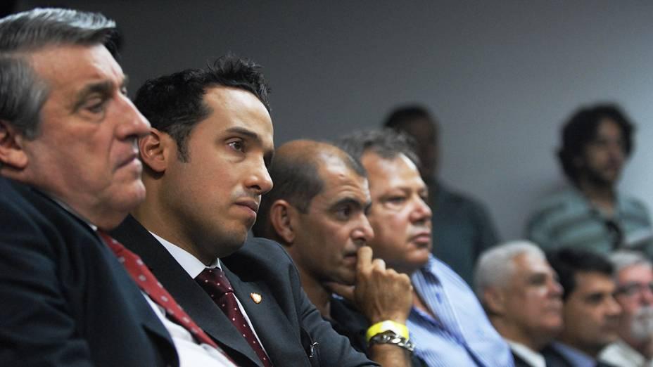 Diretoria da Portuguesa durante julgamento no Pleno do Superior Tribunal de Justiça Desportiva, no Rio de Janeiro
