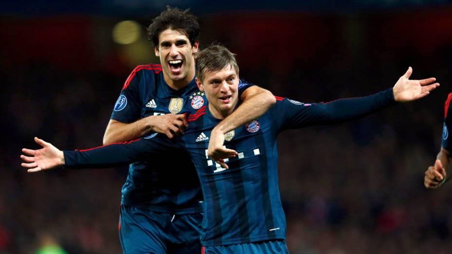 Toni Kroos fez o primeiro do Bayern de Munique sobre o Arsenal, em Londres