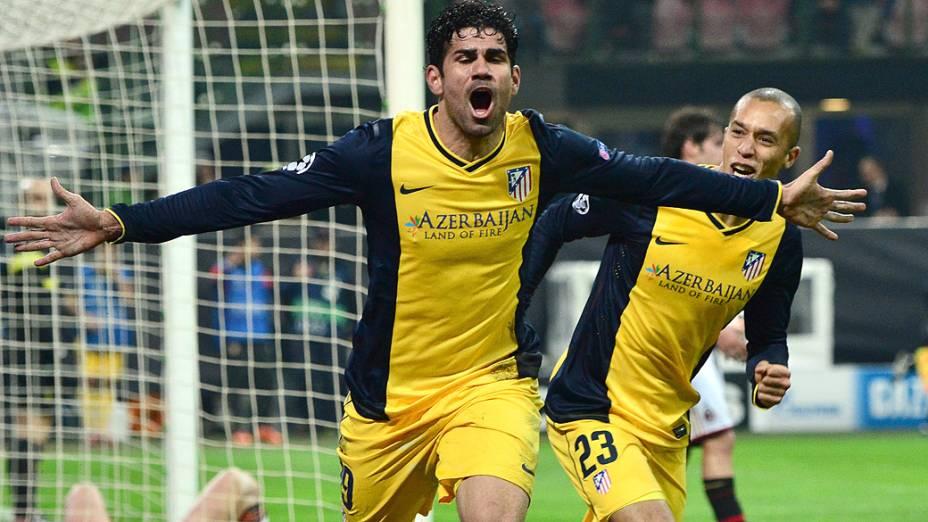 Jogador Diego Costa, do Atlético de Madri, comemora gol contra o Milan, pelas oitavas de final da Liga dos Campeões, em Milão