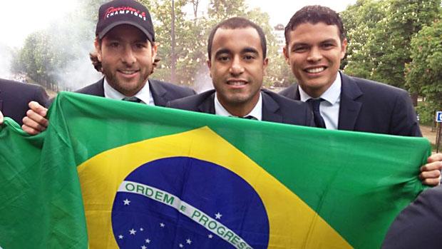 Lucas comemora título do Campeonato Francês pelo PSG