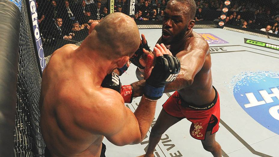 Jon Jones e Glover Teixeira no UFC 172