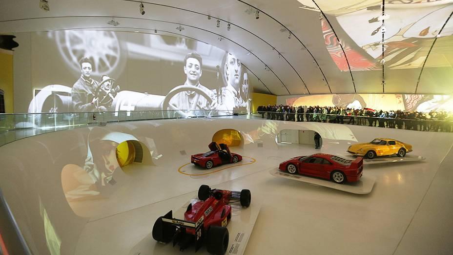 O novo Museu Enzo Ferrari, em Modena inaugurado por Luca di Montezemolo e Piero Ferrari