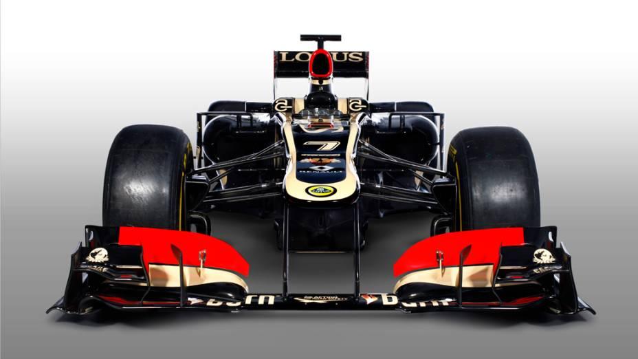 Lotus apresenta novo carro 2013