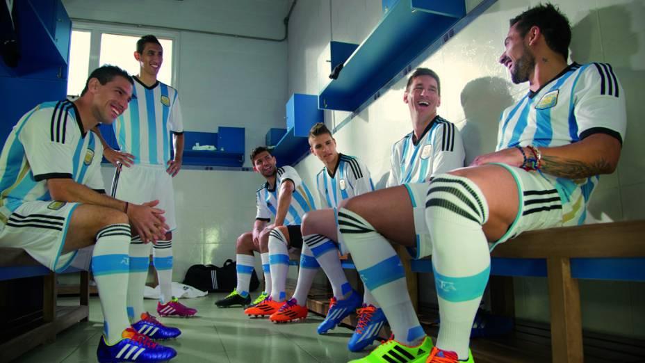 Adidas apresenta o novo uniforme da Argentina para a Copa do Mundo de 2014