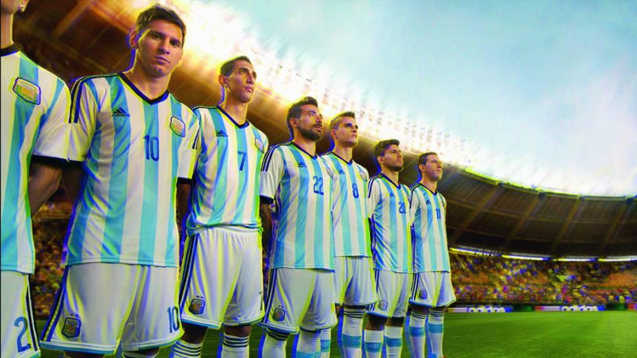 Argentina apresenta novo uniforme para a Copa do Mundo 2014