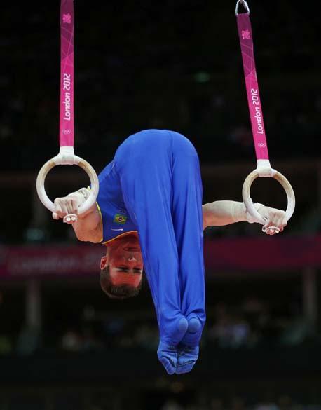O brasileiro Arthur Zanetti comemora medalha de ouro nos Jogos Olímpicos de Londres, em 06/08/2012