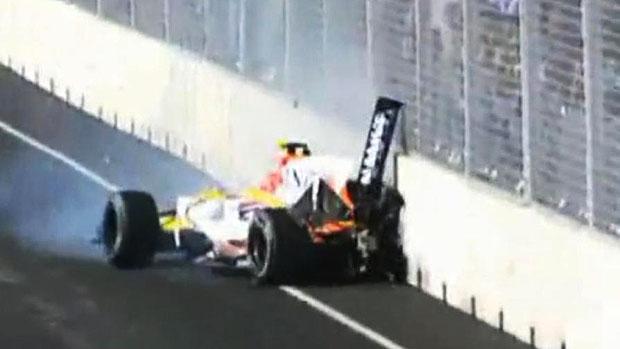 Nelsinho Piquet, no GP de Cingapura de 2008: acidente para ajudar seu companheiro de equipe, Fernando Alonso