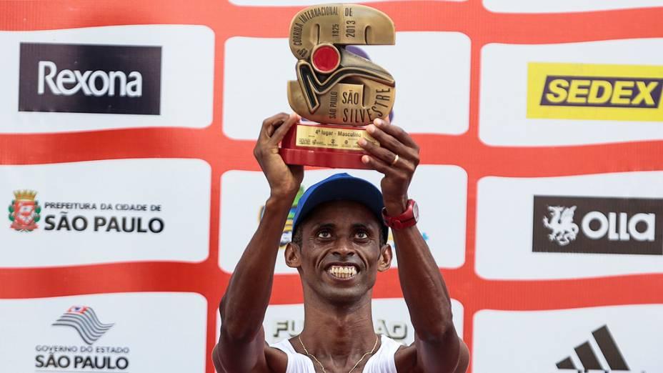 Giovani dos Santos é o 4° colocado na 89ª Corrida de São Silvestre
