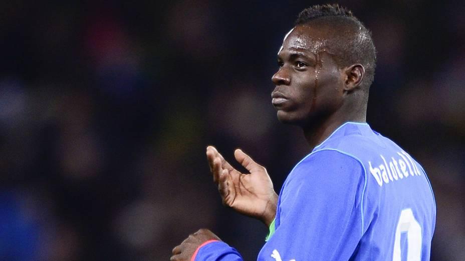 Jogador italiano Balotelli, após marcar gol de empate no amistoso entre Brasil e Itália