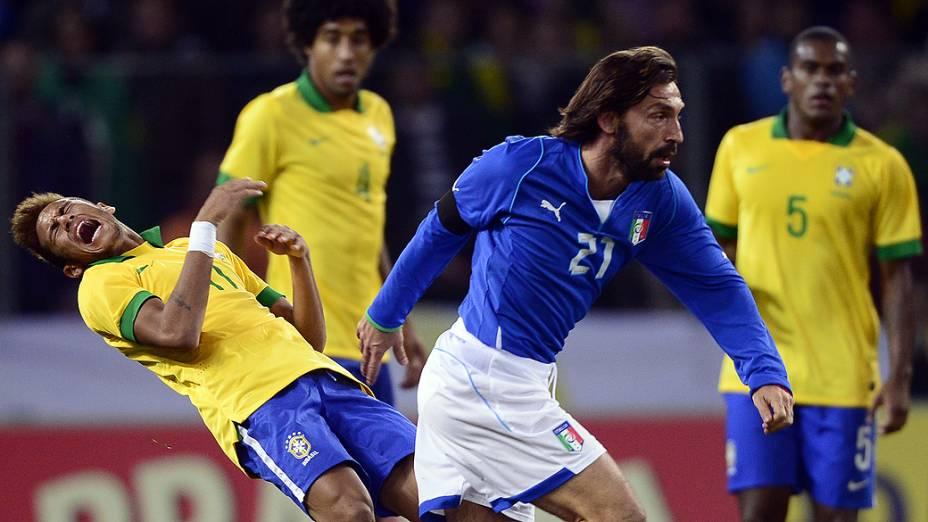 Neymar durante o amistoso entre Brasil e Itália em Genebra
