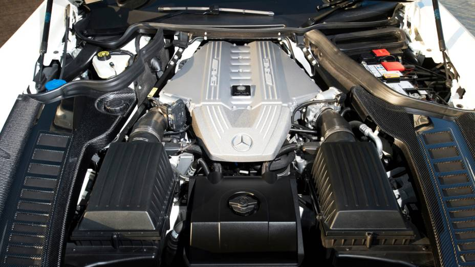 Versão Black Series do supercupê SLS AMG é equipada com um motor V8 de 631 cv