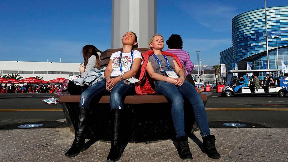 Dia de temperaturas amenas em Sochi, com direito até a banho de sol no Parque Olímpico