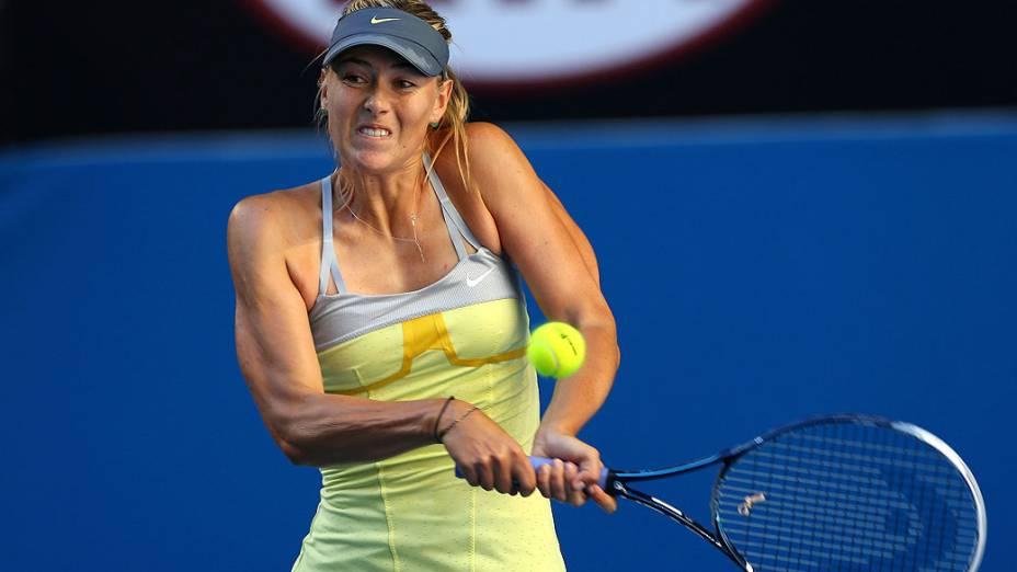 Maria Sharapova enfrenta a japonesa Misaki Doi durante partida válida pela segunda rodada do Aberto da Austrália