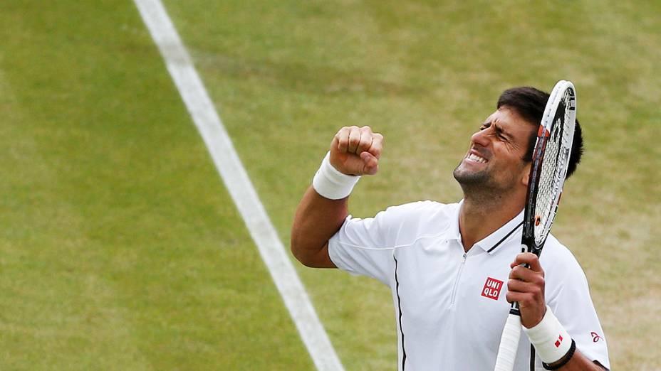 Novak Djokovic vence o checo Thomas Berdych e avança para as semifinais do torneio de Wimbledon