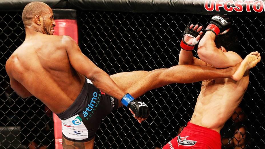 Kevin Souza chuta Felipe Arantes e vence o UFC Fight Night realizado na Arena Mineirinho em Belo Horizonte