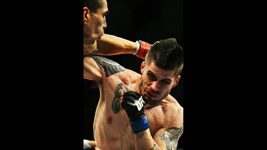 Americano Jeremy Larsen derrotado pelo brasileiro Lucas Mineiro no UFC Jaraguá do Sul no Norte de Santa Catarina
