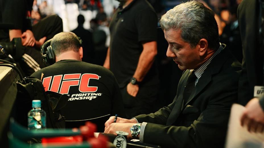 Bruce Buffer durante o UFC Jaraguá do Sul, em Santa Catarina