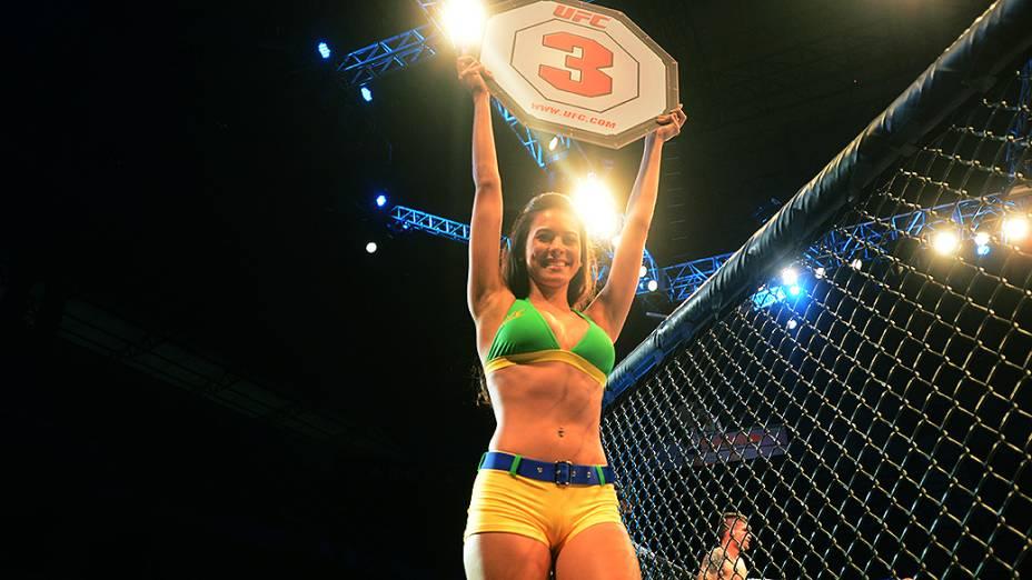 Ring girl Camila Oliveira