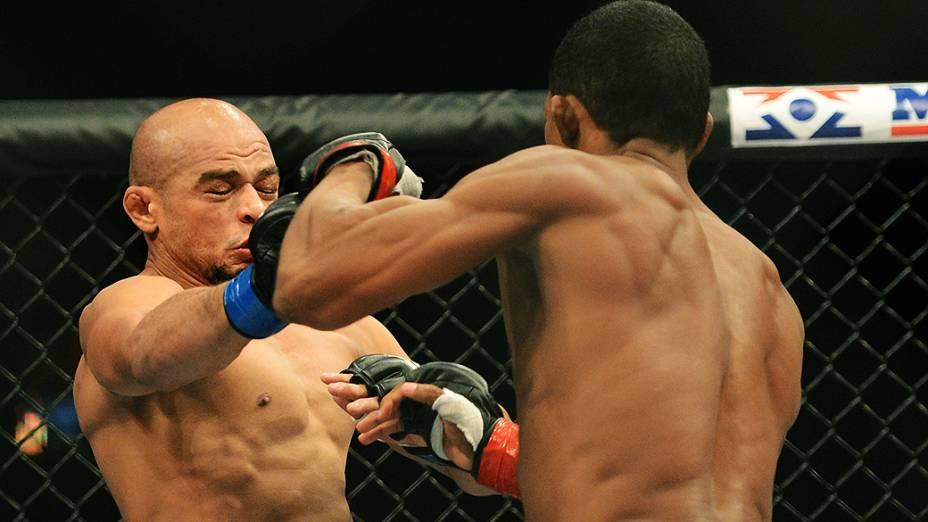 Yuri Alcantara vence o outro brasileiro Illarde Santos