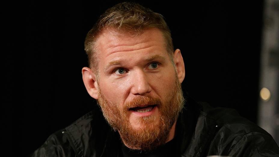 Josh Barnett durante entrevista coletiva do UFC 168 em Las Vegas