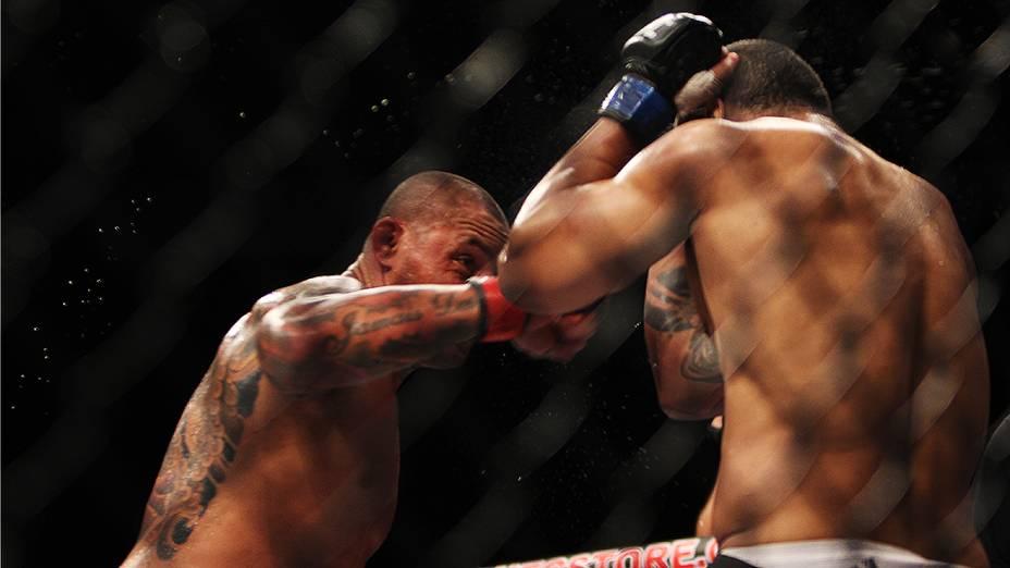 Thiago Silva vence Rafael Feijão pelo Card Principal do The Ultimate Fighter 2 Finale, em Fortaleza